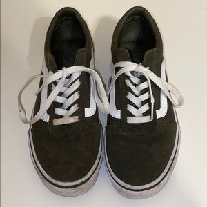Vans olive old skool low top sneakers. Size 8.5